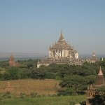 4・タビンニュ寺院