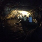 ベトナム世界遺産チャンアンの水上洞窟